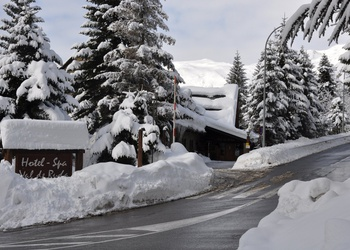 FREE OUTDOOR PARKING Val de Ruda Hotel Chalet
